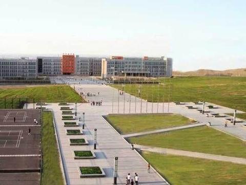 西北本科院校,青海民族大学和新疆工程学院,虎斗龙争
