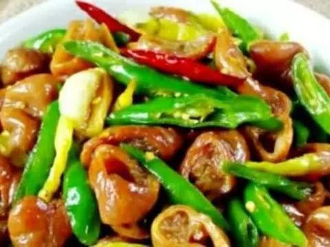 精选食谱:茄汁鸡蛋豆腐、微辣版板栗烧鸡、辣子鸡翅、尖椒溜肥肠