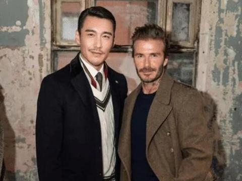 有中国第一男模之称的他,曾经被英国的富豪看中,现49岁帅气逼人