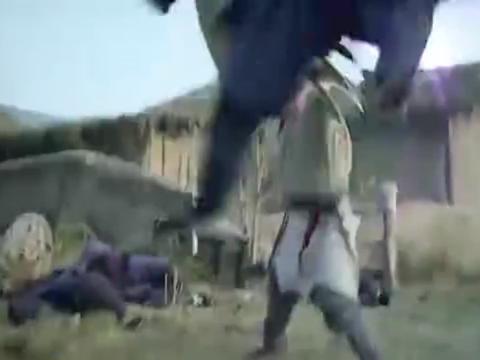 荆天明变成武功高手,一个人打一群秦兵,只是这看着不对劲