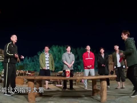 刘国梁独门发球技术,角度太刁钻,蘑菇屋没人能接住!
