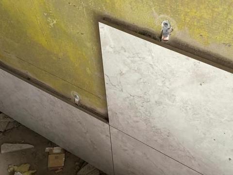 家里用瓷砖胶贴墙砖,还用刷墙固吗?为什么?需要怎么处理?