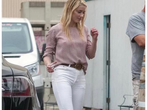 甜蜜!艾梅柏·希尔德和女友BiancaButti洛杉矶外出街拍
