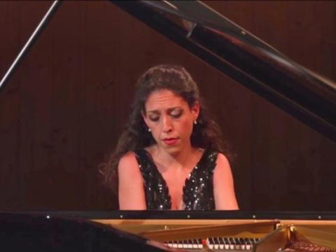 2020年法国依云音乐节(G·卡普颂贝特丽莎·拉娜)