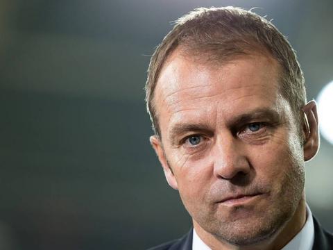德甲首轮8-0狂胜沙尔克后,拜仁又做出疯狂举动,令球迷困惑不已