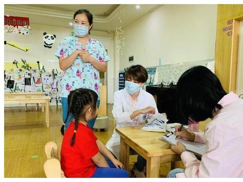 护佑健康 | 诺亚舟广汉师大附属幼儿园加强保健工作
