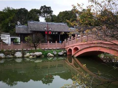 四川一大型公园,成都唯一的五星级公园,投资额达1.5亿免门票