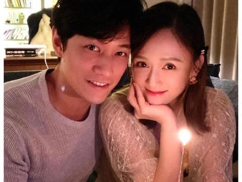 娱评人吴清功:陈乔恩、艾伦庆祝恋爱一周年,吃烛光晚餐亲密依偎