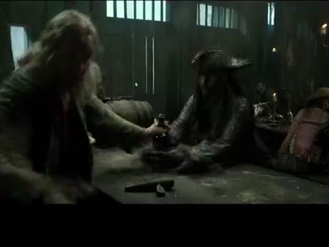 加勒比海盗:杰克船长放弃了自己的罗盘,同时也放出了海盗!