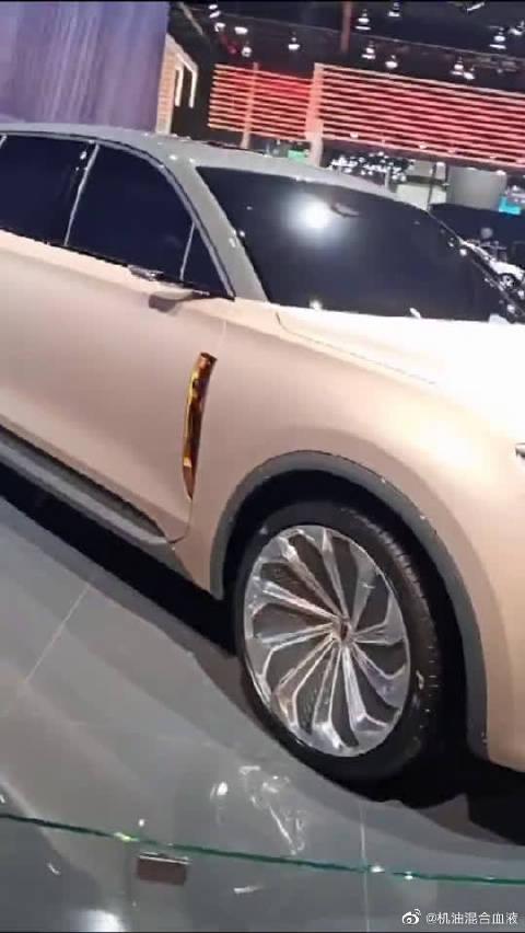 红旗H9同平台SUV:HS9亮相,土豪金色的外观彰显贵族气质