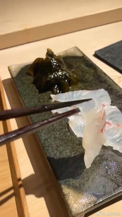 在日本吃生鱼片,还以为要用油炸,结果我傻眼了