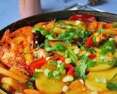 精选美食推荐:水煮土豆片,蒜苗炒五花肉,香辣迷你鱼的做法
