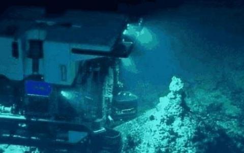 位于马里亚纳海沟深处,科学家发现新物体,让人类不敢相信!