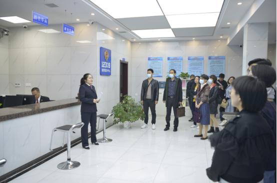 湖北潜江:今天,人民监督员走进检察机关