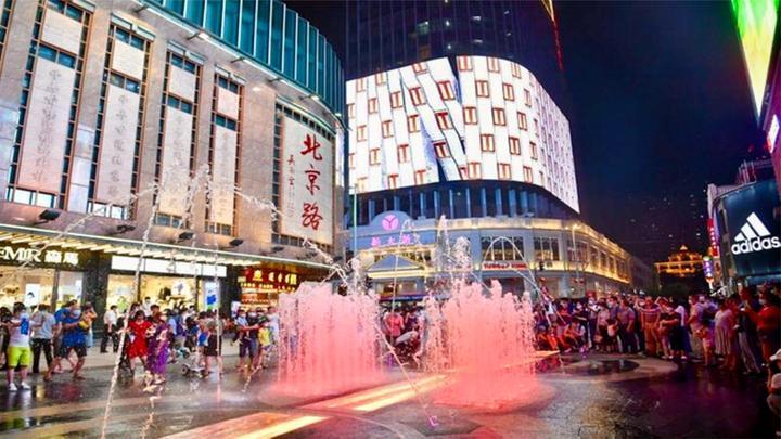 """""""变长变胖""""的广州北京路,""""新装""""开街,大家一起买买买"""