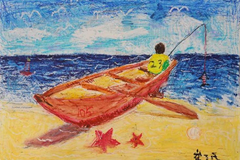 充子们孩力想象满作绘画的嘉 罗品 摄。