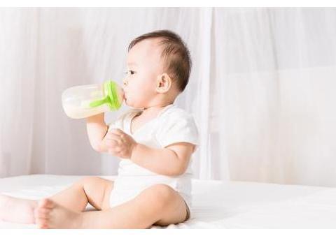 孩子多大开始喝普通牛奶?过了这个年龄,家长就可以逐渐尝试了