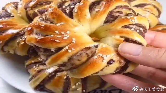 超级好吃的豆沙面包卷,蓬松暄软,喜欢的可以试试