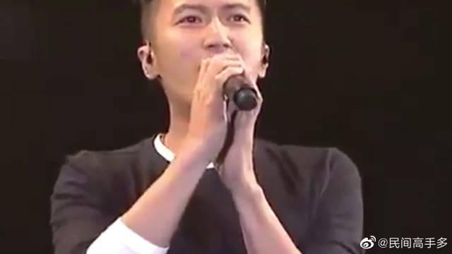 谢霆锋尴尬了,李荣浩带队翻唱他的成名曲《黄种人》……