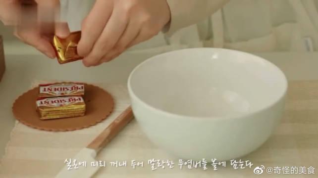 白吐司这样吃,更美味呢,来看看,蒜香吐司条的做法