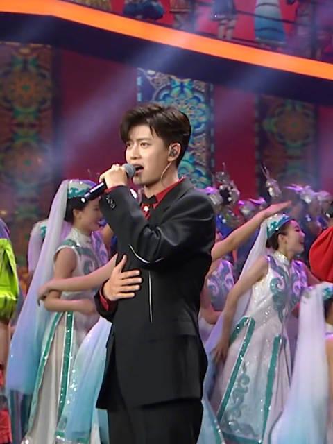 任嘉伦央视国庆晚会最新视频