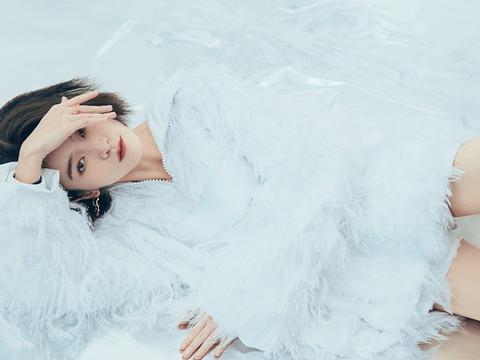 看了张雪迎时尚大片,佩服她穿搭的百变型,魅力十足