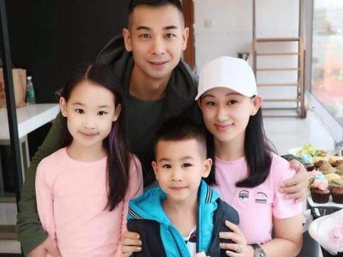 参观赵文卓和张丹露的豪宅,孩子从小就富养,每人都有自己的书房