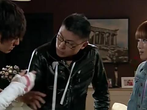 爱情公寓:大师兄向关谷君道歉,爆笑!