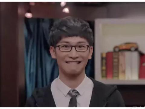 韩红曾在《歌手》中对李荣浩说:这浑水你不能淌啊,在家好好唱!