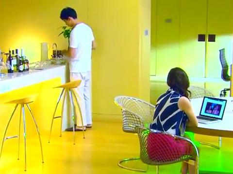 总裁一进门就看见灰姑娘,二人情投意合,幸福的畅想着未来