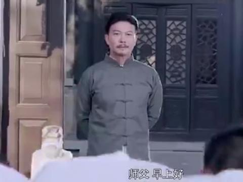 阴阳先生之末代天师:两兄弟大清早就吵架,胖子:头脑简单!