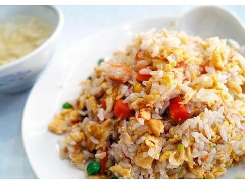 学会这样做培根虾米炒饭,家常好吃超美味,让你吃一口就喜欢上它
