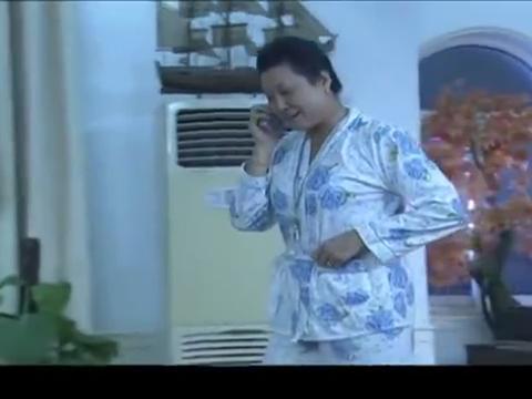 闺女大晚上没回家,老太婆不知道关心,竟然还埋怨老伴瞎操心!