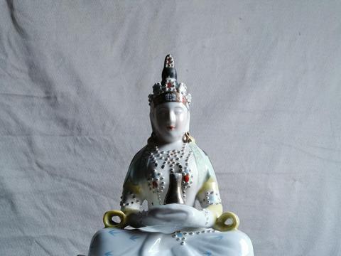 五十至六十年代观音菩萨粉彩瓷塑坐像