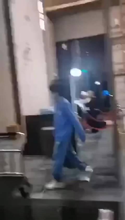 《明日之子》选手胡宇桐因经纪人被挤……