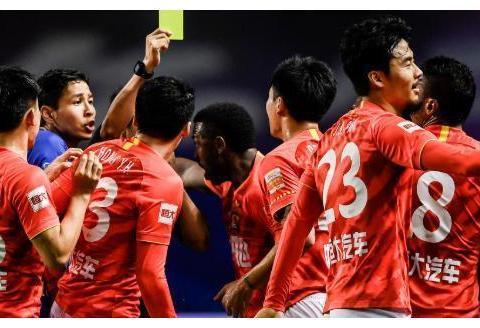 焦点战冲突不断!苏宁2-1恒大晋级争冠组,特谢拉埃德尔建功