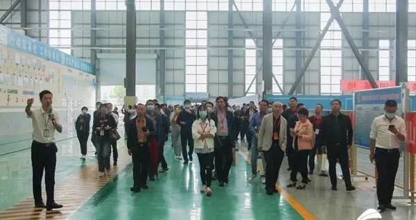 全国建筑劳务管理研讨会观摩团走进中国建筑绿色产业园