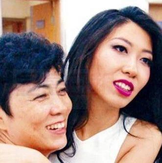 """女歌手为贪污3.5亿的妈妈""""喊冤""""!网友把她骂上热搜!"""