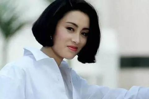 她19岁成为星女郎,离婚王全安,33岁,身价数亿