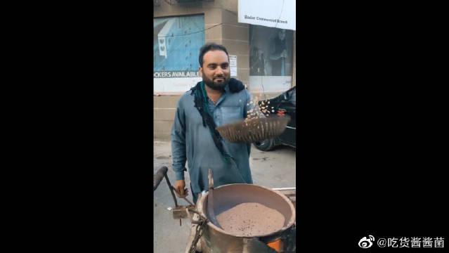 巴基斯坦的铁砂炒玉米,这一小份够吃吗!