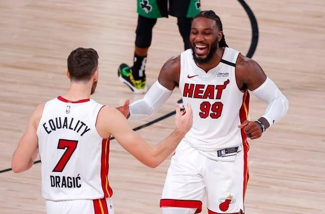 NBA东部决赛继续继续,热火和凯尔特人两支球队展开系列赛第5场比赛的对决