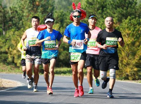 第43届公园半程马拉松北京公开赛建侬延庆阪泉体育公园站举行
