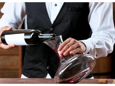 「葡萄酒入门」醒酒也是一门学问