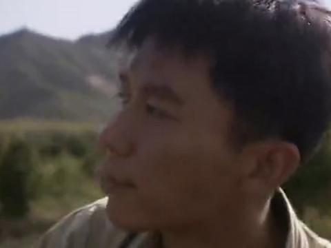 """男子逃逸与荒山野岭,警察追问到家,不曾想遭到家人的""""送客"""""""