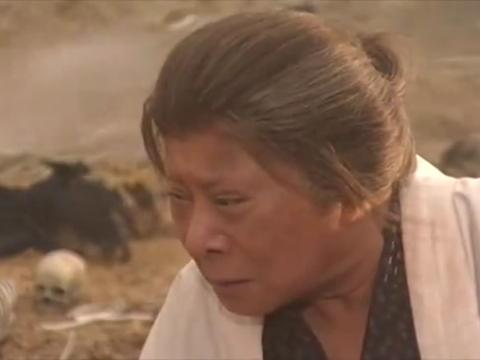 老人年满六十岁,就要被子女带到地狱谷,让其在荒山自生自灭