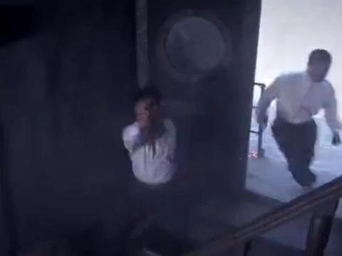 小鬼子军统要杀卧底,没想到最后被男子一枪击毙