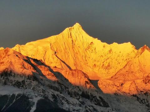 西藏梅里雪山为何禁止攀登?学者:91年已有17名登山者均一去不返