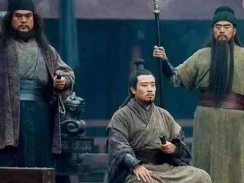 刘备请卧龙、迎凤雏,而且坐拥五虎上将,为什么没有统三国呢?