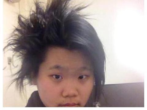 毕福剑23岁女儿曝光,长相一言难尽,爸爸的基因太强大了