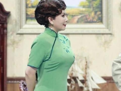 蔡明出道40年没胖过,帮倪萍瘦40斤,减肥方法仅9字多数人做不到